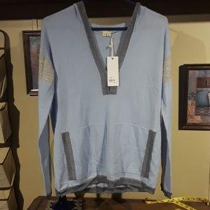 Label thread hoodie